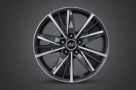 Azera 18 inch alloy wheel