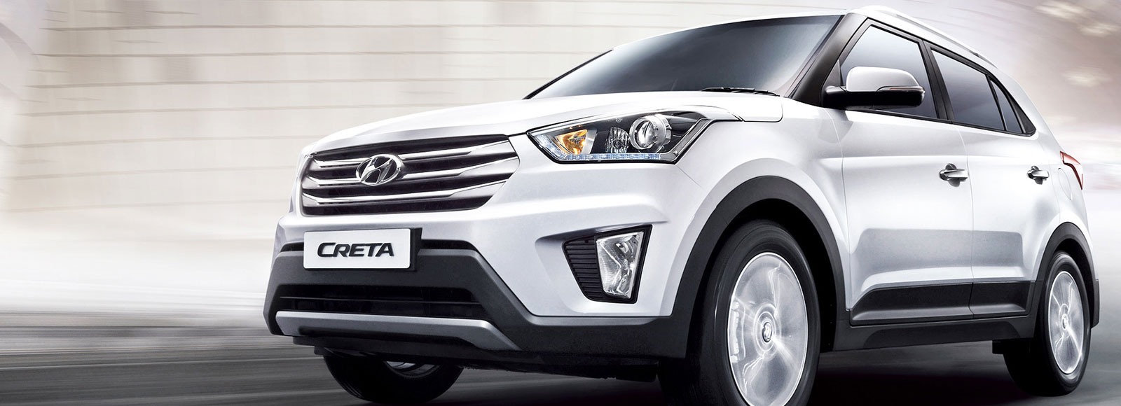 Left side front view of white Creta