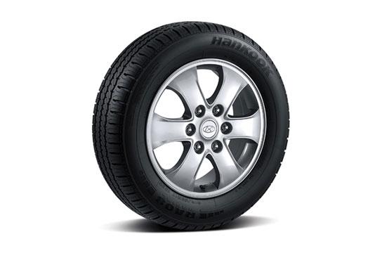 17″ alloy wheels